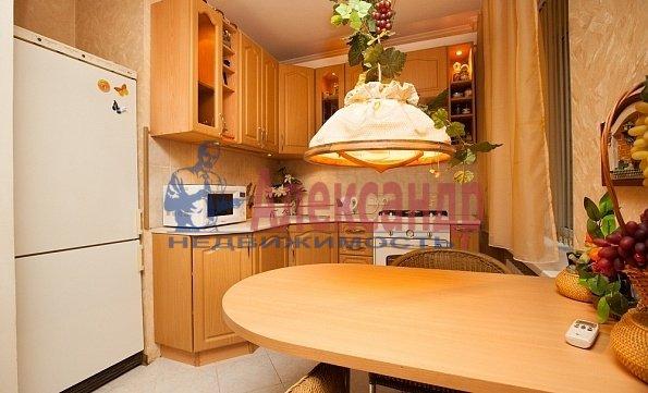 1-комнатная квартира (35м2) в аренду по адресу Обуховской Обороны пр., 117— фото 1 из 4