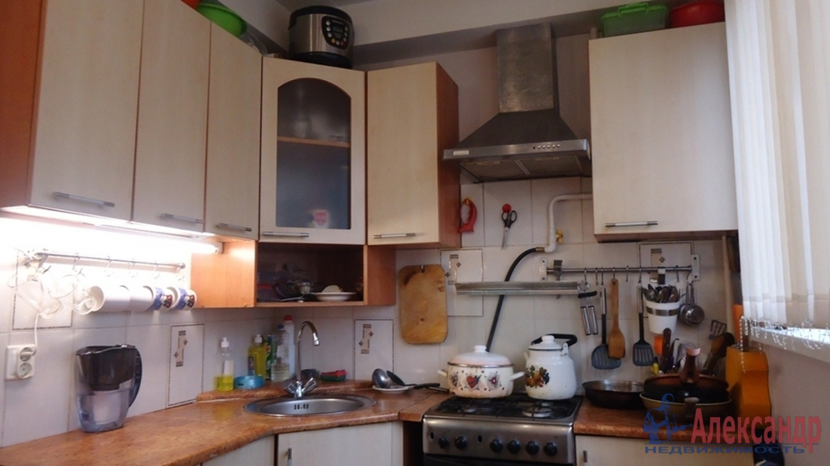 2-комнатная квартира (45м2) в аренду по адресу Новоизмайловский просп., 44— фото 3 из 4