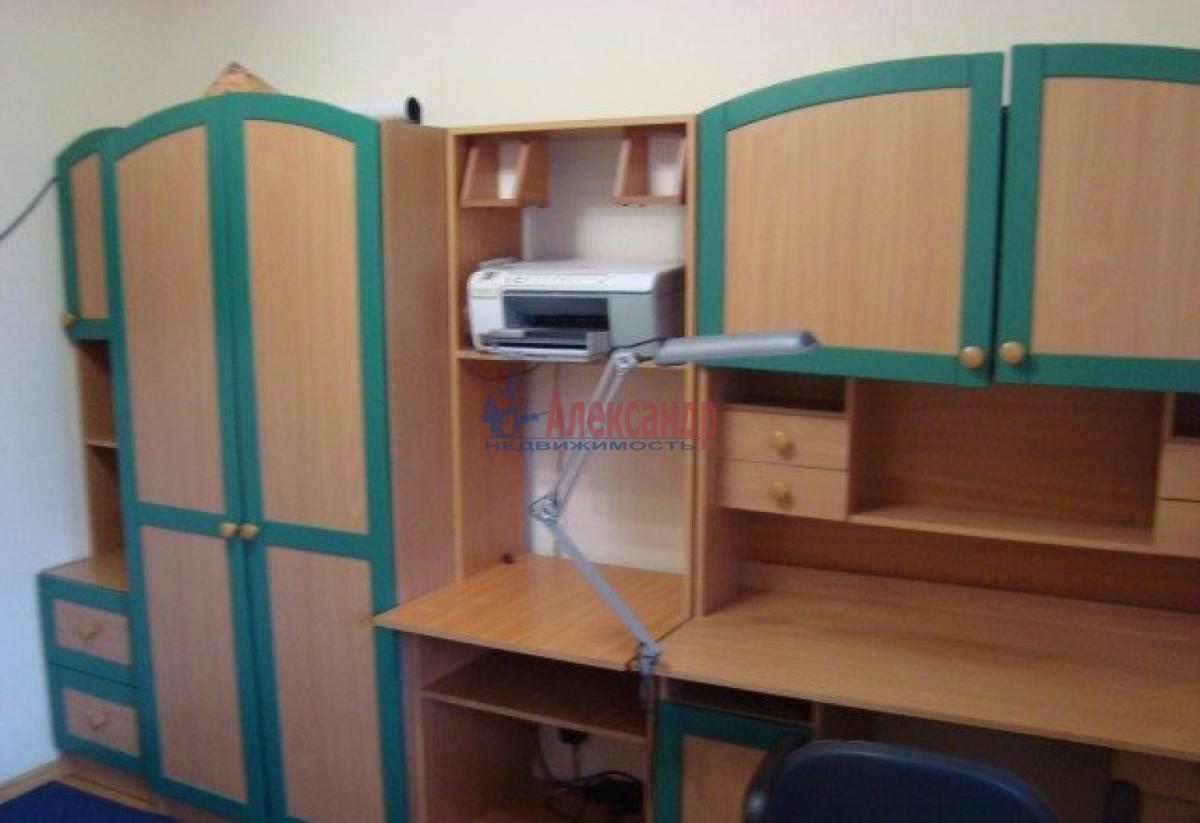 Комната в 2-комнатной квартире (57м2) в аренду по адресу Новаторов бул., 80— фото 5 из 6