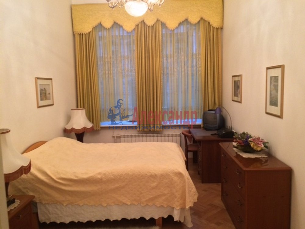 3-комнатная квартира (80м2) в аренду по адресу Рубинштейна ул., 3— фото 3 из 5