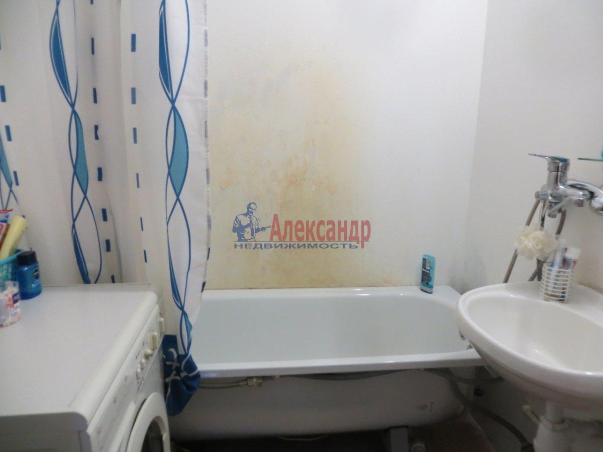 2-комнатная квартира (70м2) в аренду по адресу Кузнецова пр., 10— фото 4 из 9