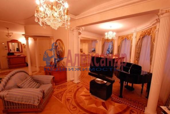 3-комнатная квартира (110м2) в аренду по адресу Шпалерная ул., 34— фото 1 из 5