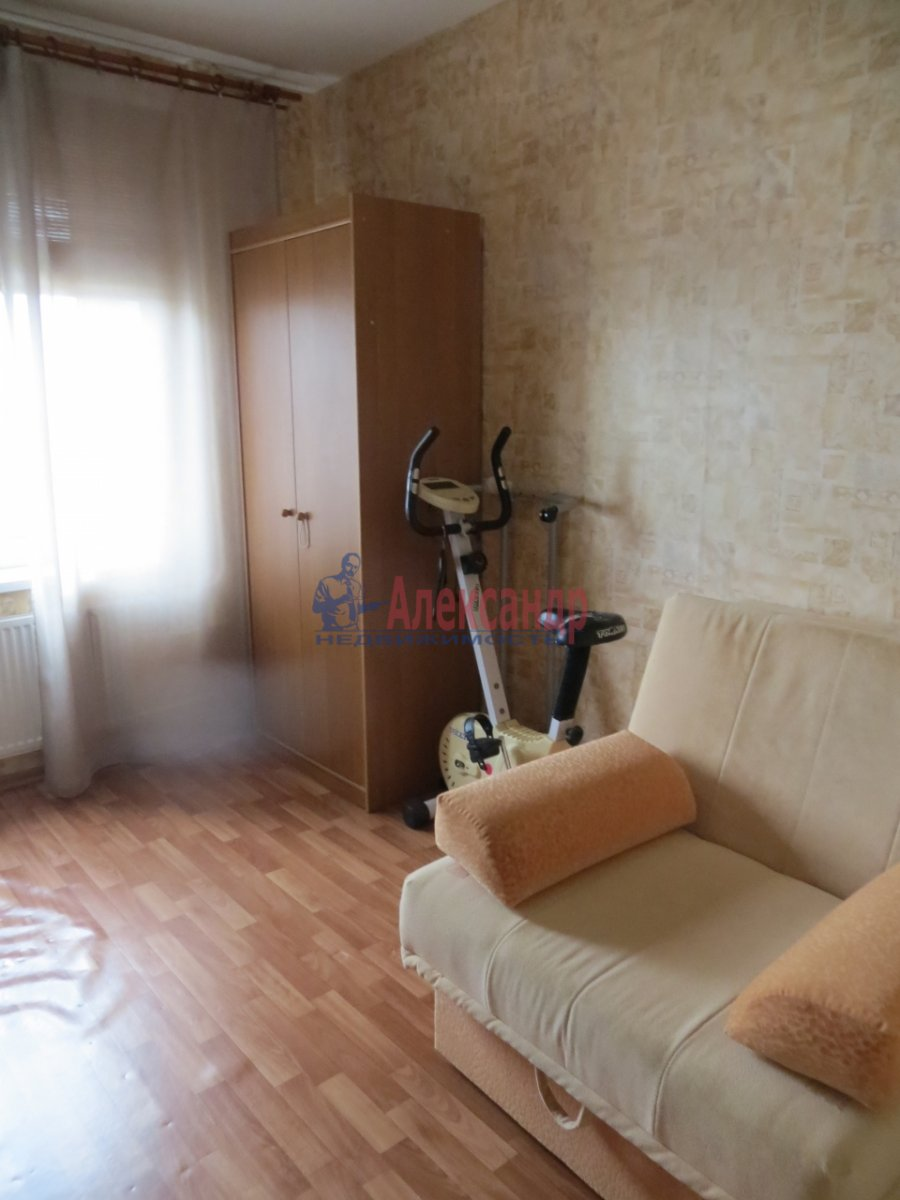 1-комнатная квартира (40м2) в аренду по адресу Ленинский пр., 166— фото 3 из 3