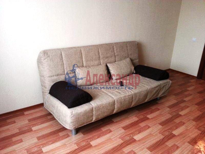 1-комнатная квартира (40м2) в аренду по адресу Науки пр., 17— фото 1 из 17