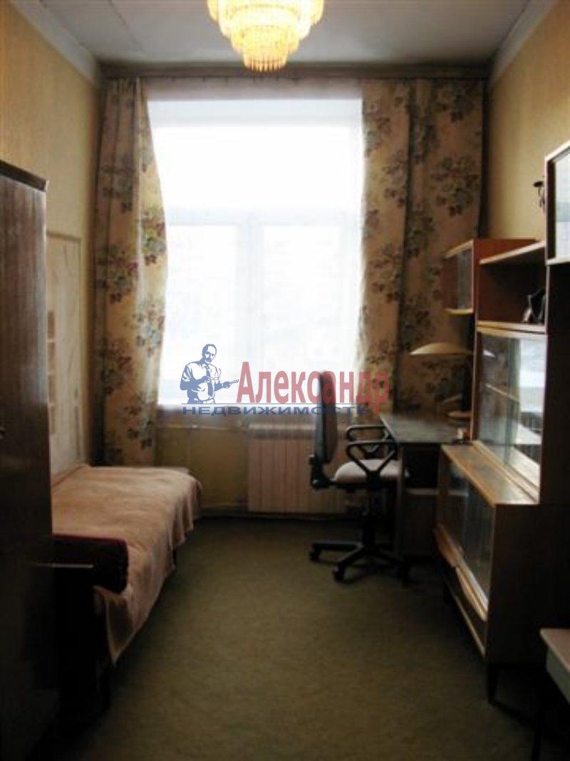 1-комнатная квартира (35м2) в аренду по адресу Одоевского ул., 28— фото 1 из 5