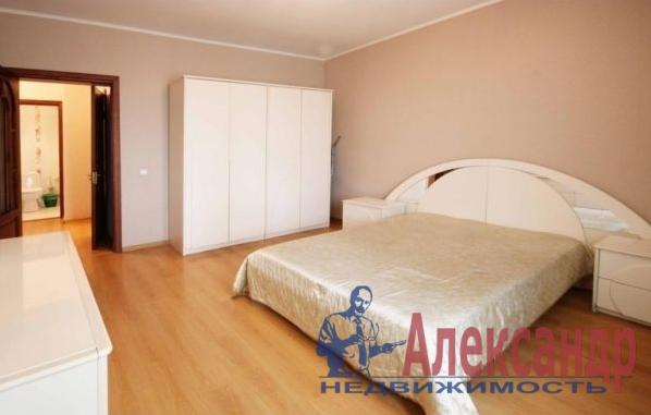 2-комнатная квартира (61м2) в аренду по адресу Новаторов бул., 11— фото 1 из 5