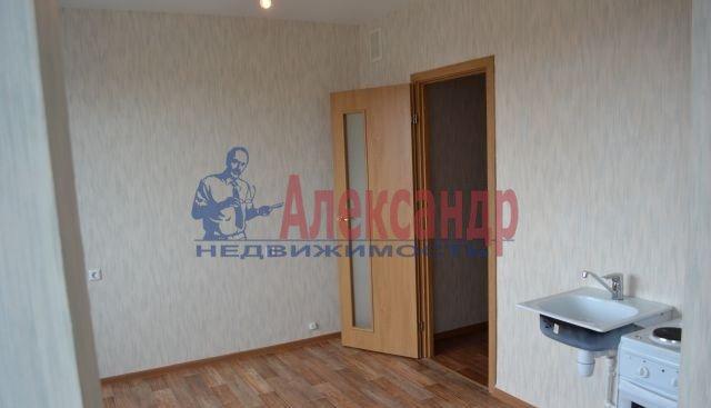 3-комнатная квартира (75м2) в аренду по адресу Приозерское шос., 10— фото 1 из 10