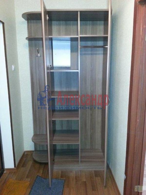 1-комнатная квартира (40м2) в аренду по адресу Науки пр., 17— фото 2 из 17