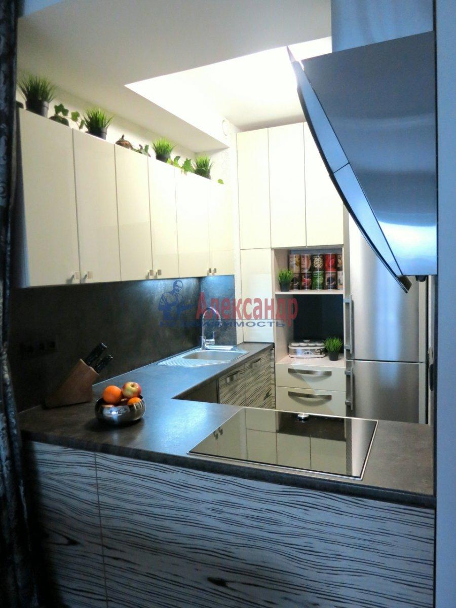 2-комнатная квартира (69м2) в аренду по адресу Ленсовета ул., 69— фото 2 из 6