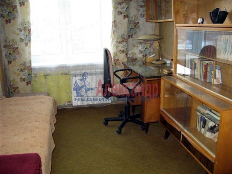 1-комнатная квартира (35м2) в аренду по адресу Одоевского ул., 28— фото 2 из 5