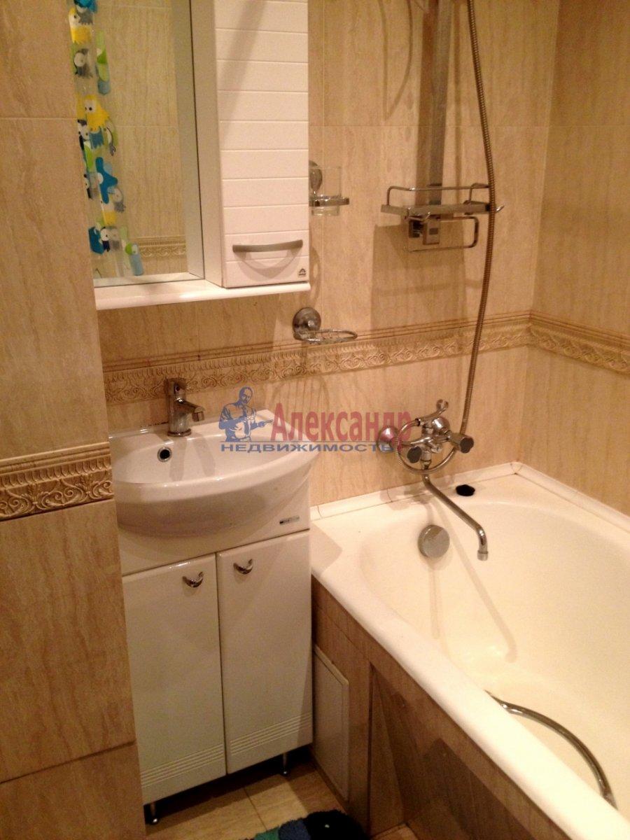 2-комнатная квартира (65м2) в аренду по адресу Ланское шос., 14— фото 4 из 10