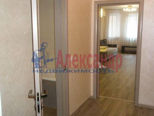 2-комнатная квартира (68м2) в аренду по адресу Комендантская пл., 6— фото 3 из 10