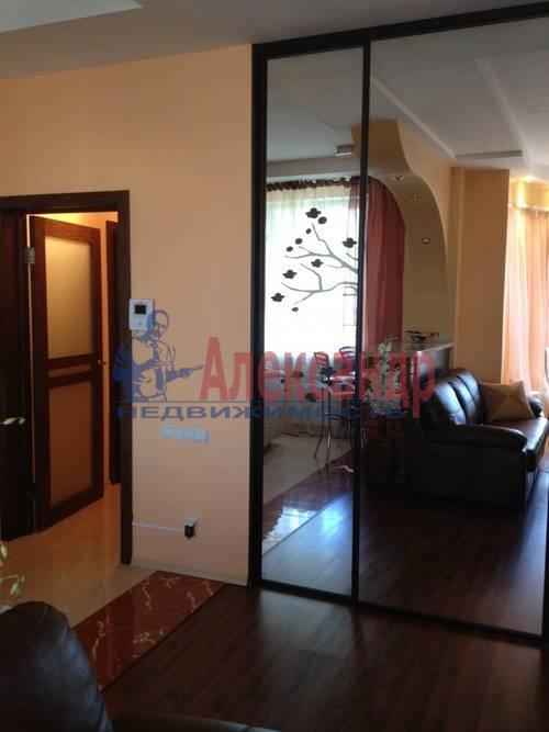2-комнатная квартира (57м2) в аренду по адресу Композиторов ул., 31— фото 3 из 7