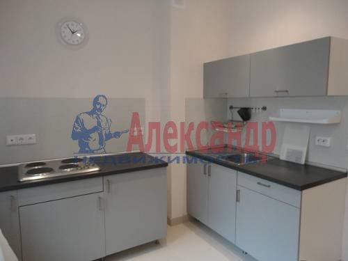 1-комнатная квартира (40м2) в аренду по адресу Варшавская ул., 23— фото 2 из 8