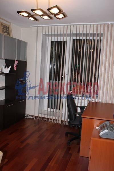 2-комнатная квартира (56м2) в аренду по адресу Славы пр., 12— фото 2 из 7
