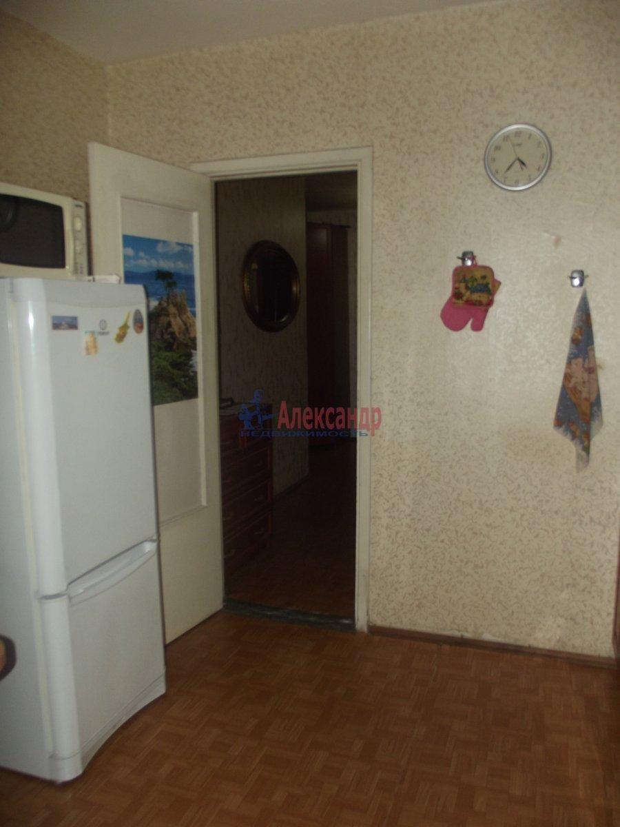 1-комнатная квартира (33м2) в аренду по адресу Октябрьская наб., 124— фото 2 из 2