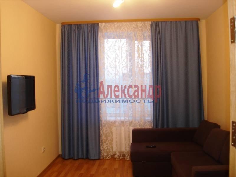 Комната в 2-комнатной квартире (62м2) в аренду по адресу Комендантский пр., 17— фото 1 из 4