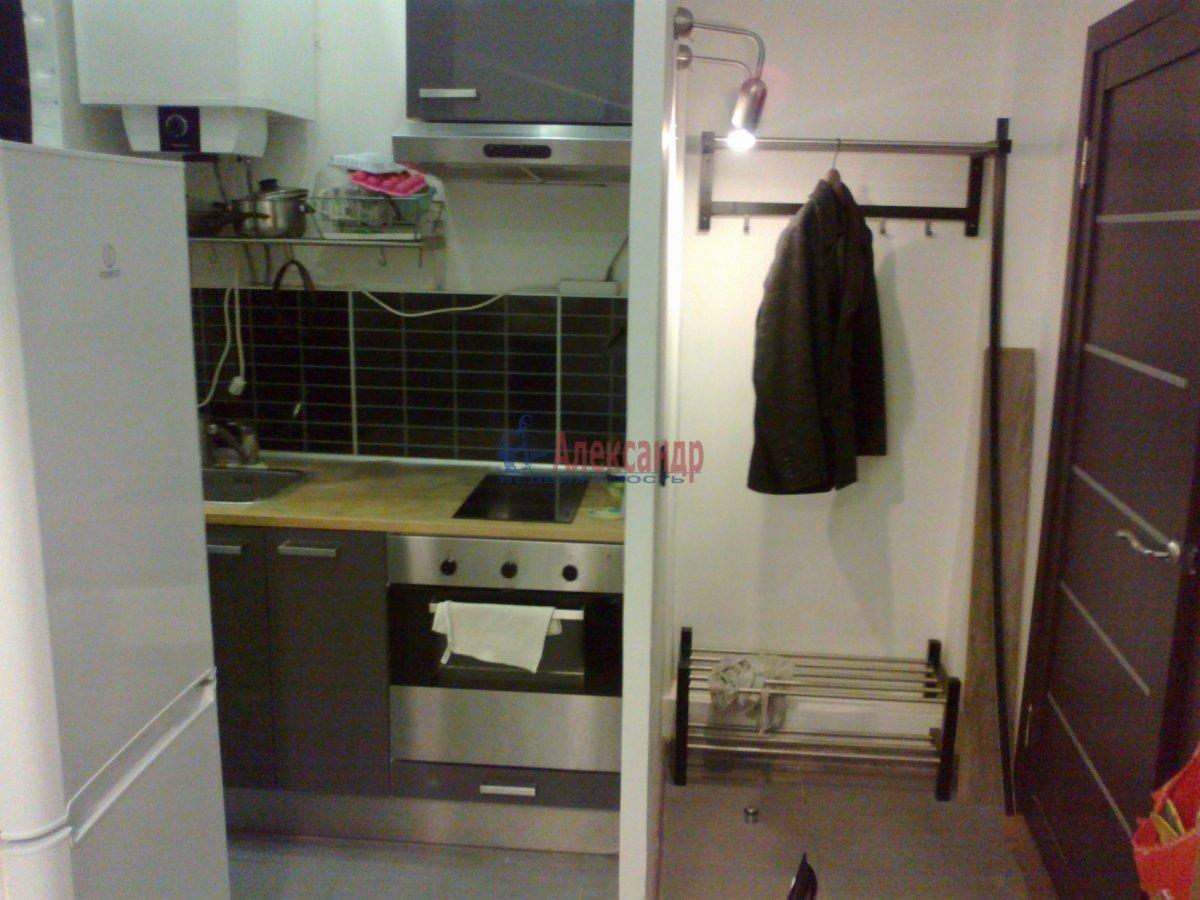 1-комнатная квартира (38м2) в аренду по адресу Полозова ул.— фото 1 из 9