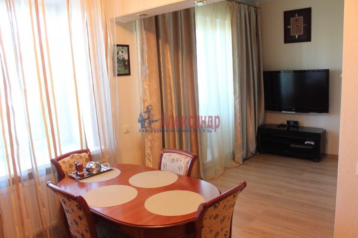1-комнатная квартира (40м2) в аренду по адресу Космонавтов просп., 65— фото 2 из 13