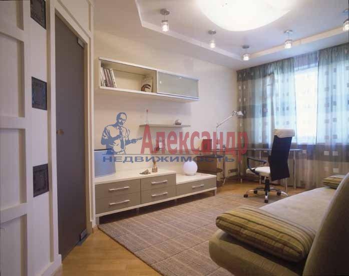 Комната в 2-комнатной квартире (59м2) в аренду по адресу 2 Муринский пр., 34— фото 1 из 1