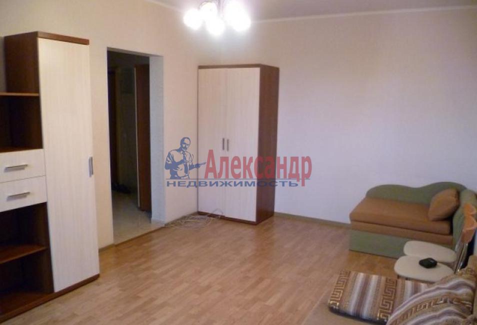 Комната в 3-комнатной квартире (89м2) в аренду по адресу Тихорецкий пр., 8— фото 2 из 3
