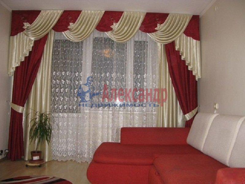3-комнатная квартира (65м2) в аренду по адресу Тореза пр., 8— фото 1 из 5