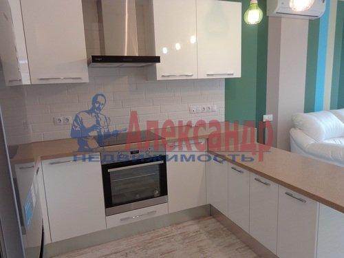 2-комнатная квартира (73м2) в аренду по адресу Исполкомская ул., 12— фото 4 из 13
