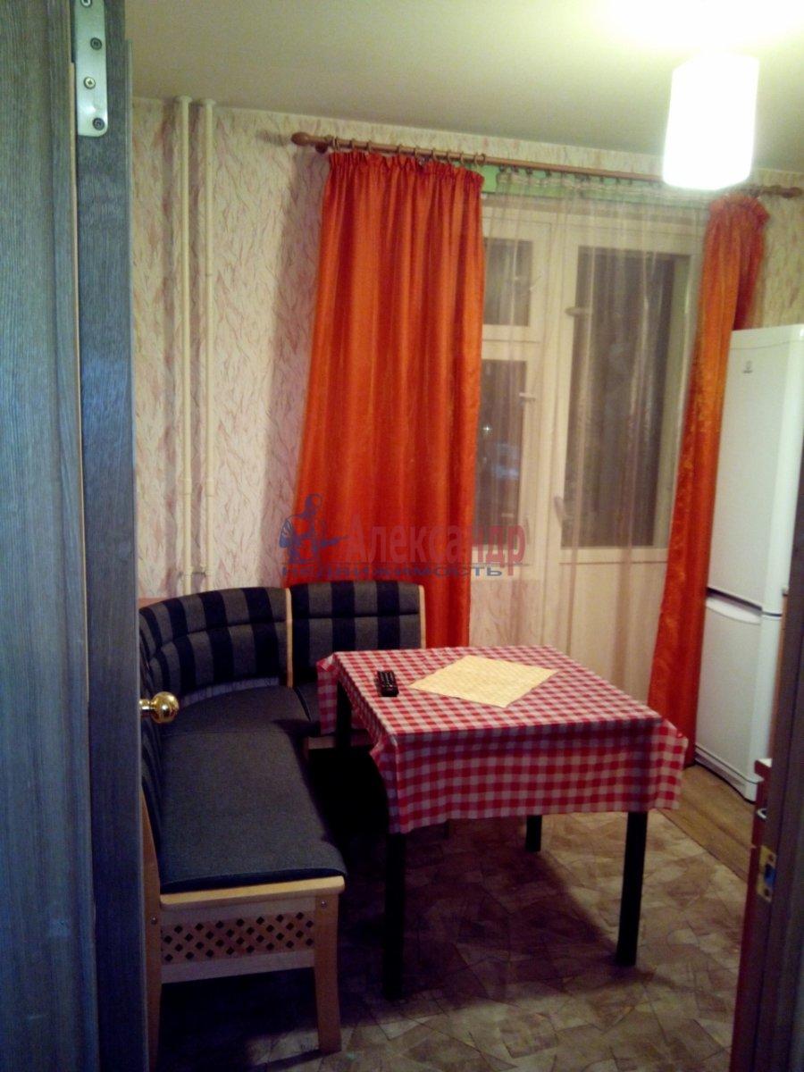 1-комнатная квартира (35м2) в аренду по адресу Десантников ул., 32— фото 3 из 3