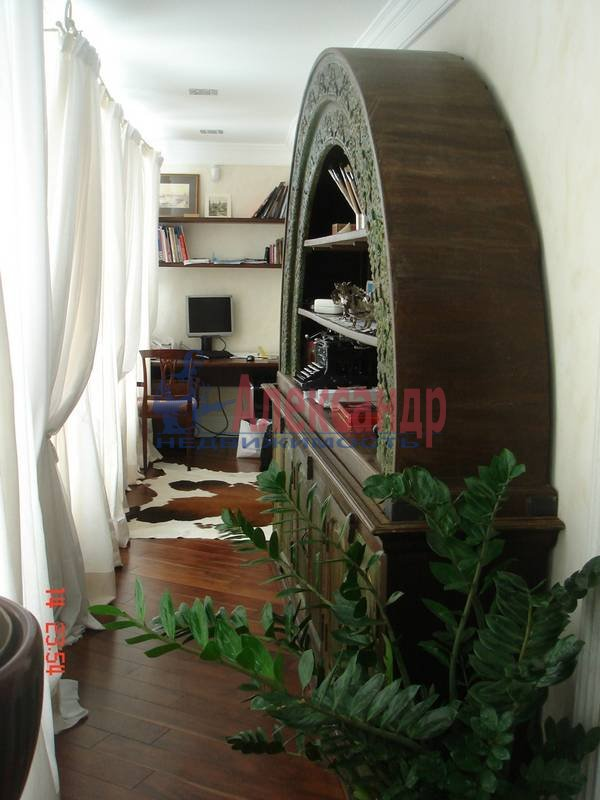 2-комнатная квартира (71м2) в аренду по адресу Морская наб., 21— фото 5 из 6