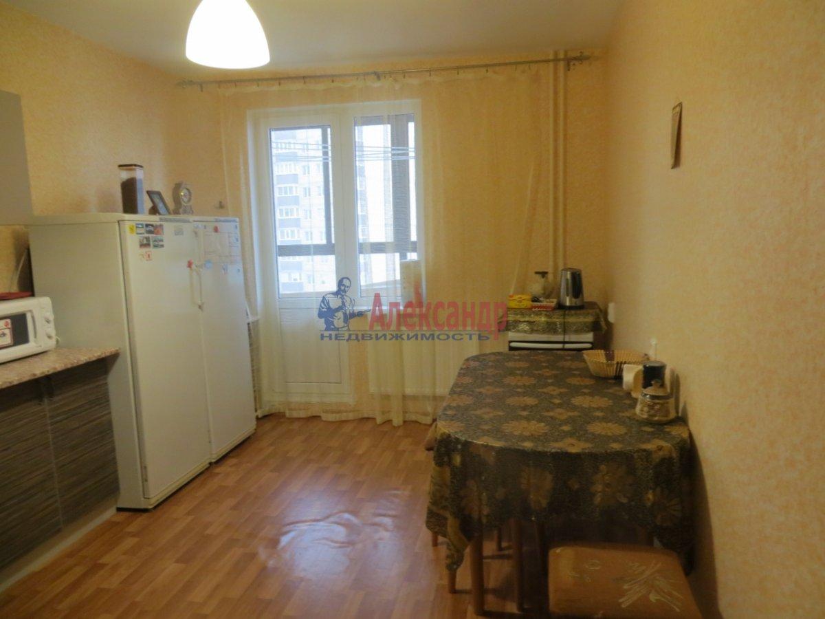 2-комнатная квартира (70м2) в аренду по адресу Кузнецова пр., 10— фото 6 из 9