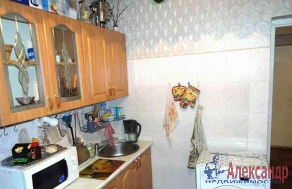 1-комнатная квартира (35м2) в аренду по адресу Славы пр., 2— фото 2 из 3