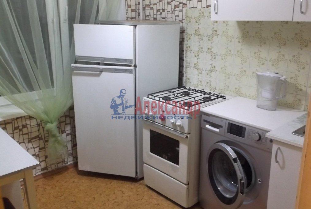 1-комнатная квартира (35м2) в аренду по адресу Белы Куна ул., 20— фото 1 из 8