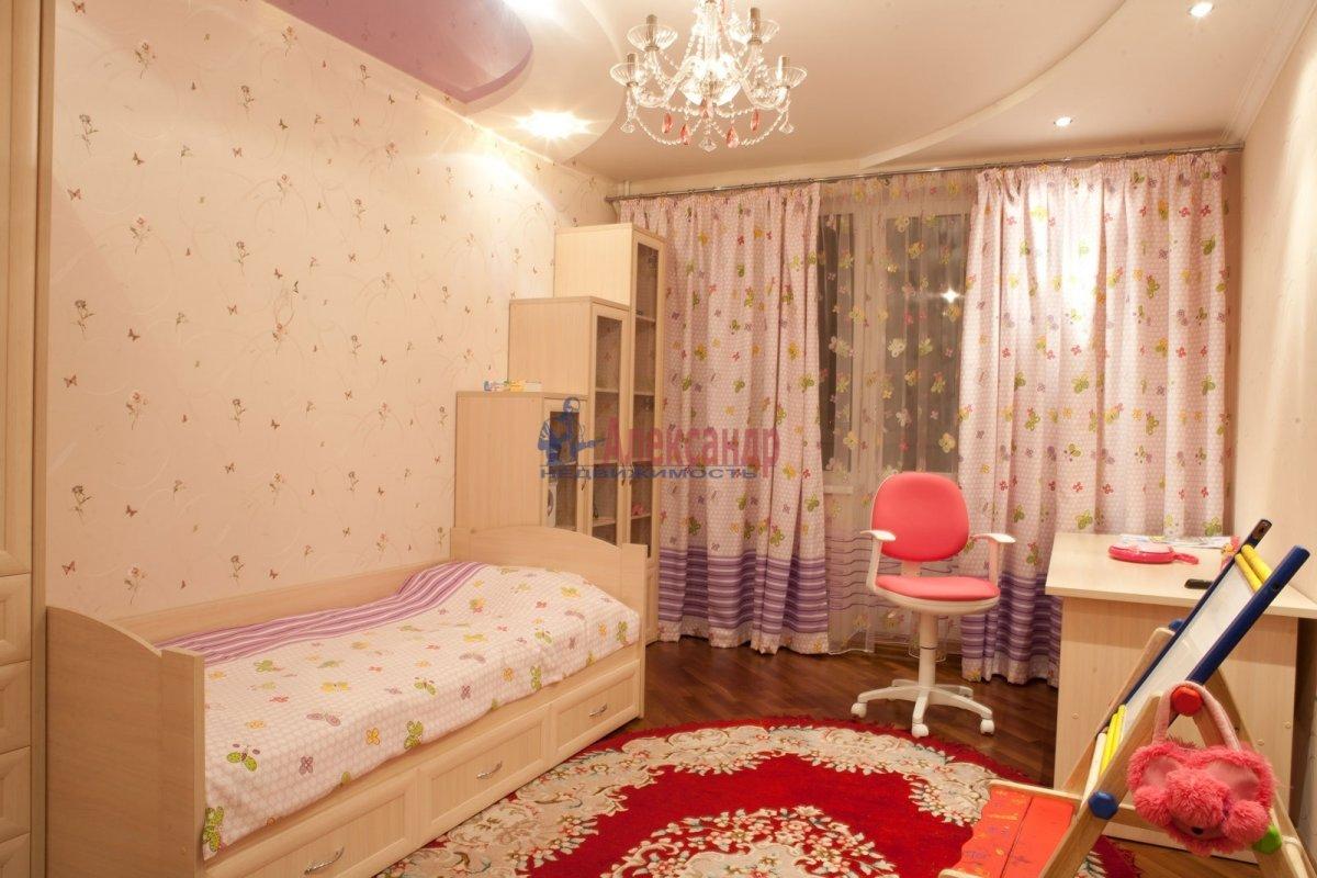 2-комнатная квартира (71м2) в аренду по адресу Стасовой ул., 4— фото 2 из 4
