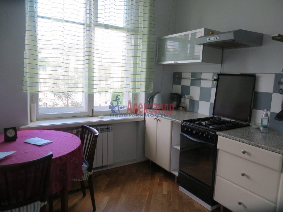 2-комнатная квартира (60м2) в аренду по адресу Новочеркасский пр., 41— фото 3 из 10