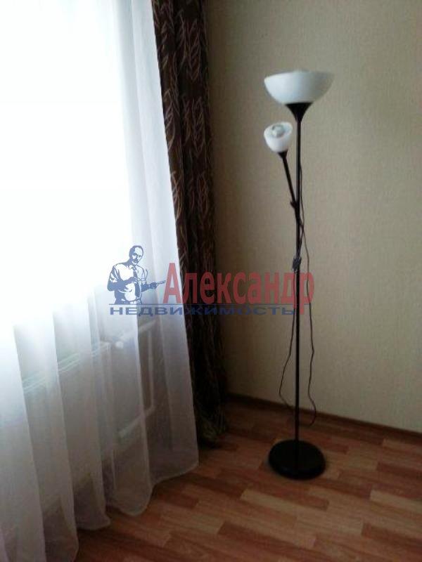 1-комнатная квартира (40м2) в аренду по адресу Науки пр., 17— фото 8 из 17