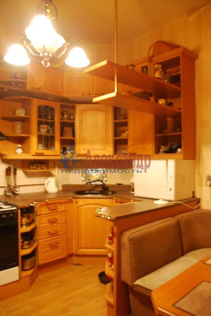 3-комнатная квартира (86м2) в аренду по адресу Суворовский пр., 56— фото 2 из 7