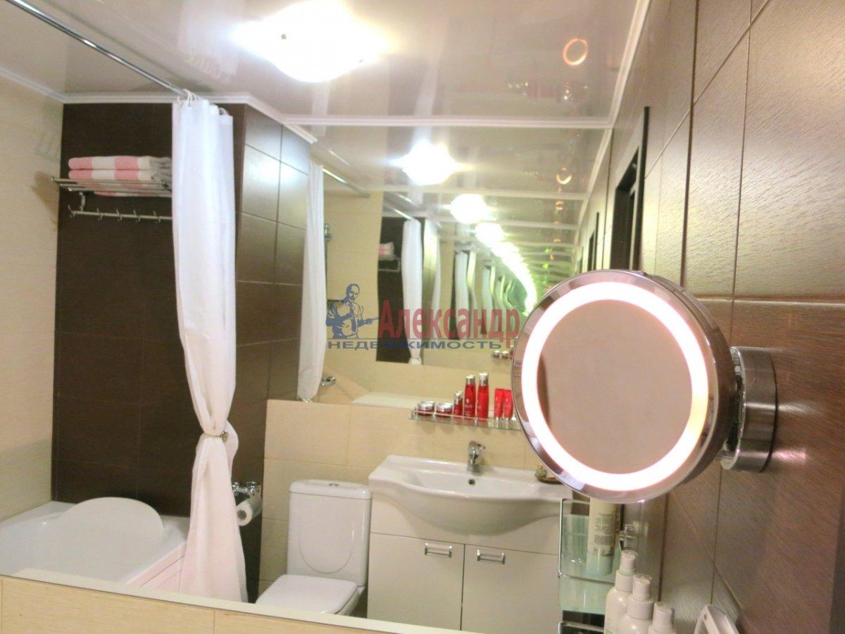 2-комнатная квартира (69м2) в аренду по адресу Ленсовета ул., 69— фото 5 из 6
