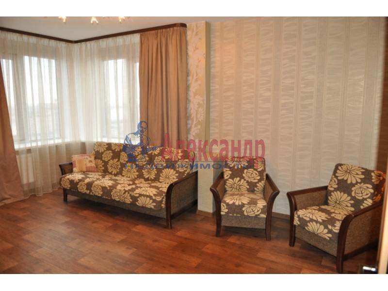 2-комнатная квартира (63м2) в аренду по адресу Октябрьская наб.— фото 1 из 4