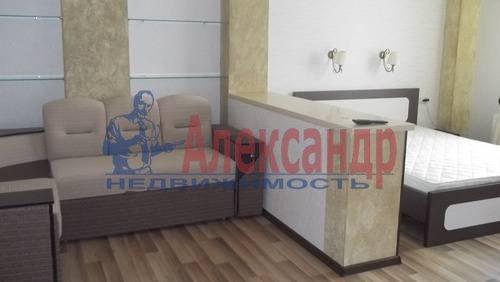 2-комнатная квартира (65м2) в аренду по адресу Савушкина ул., 115— фото 1 из 7