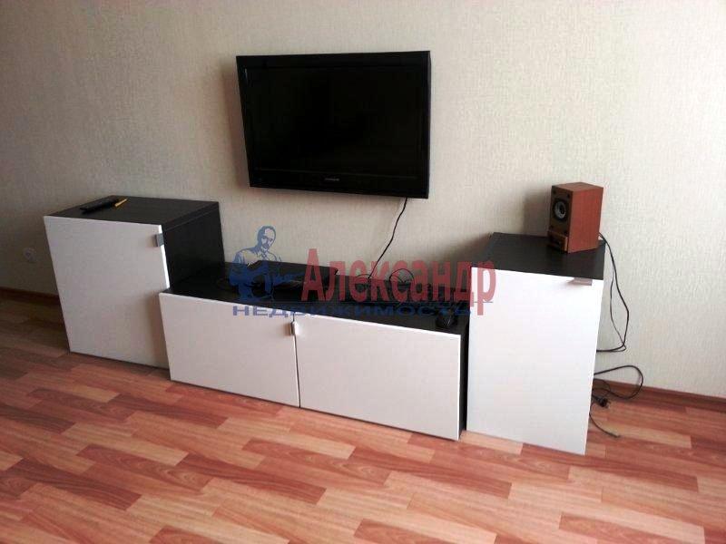 1-комнатная квартира (40м2) в аренду по адресу Науки пр., 17— фото 9 из 17