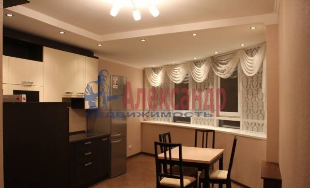 2-комнатная квартира (65м2) в аренду по адресу Ворошилова ул., 25— фото 4 из 8