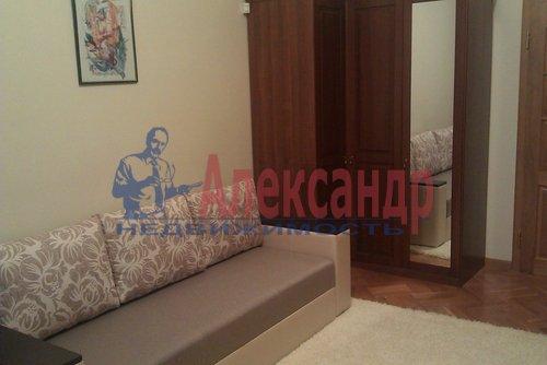 Комната в 2-комнатной квартире (58м2) в аренду по адресу Маяковского ул., 3— фото 2 из 4