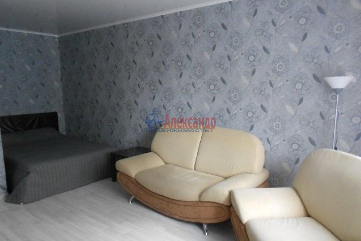 1-комнатная квартира (36м2) в аренду по адресу Типанова ул., 27— фото 1 из 4