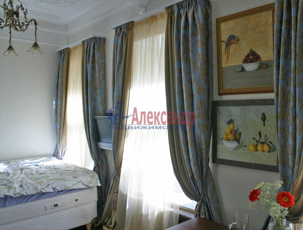 4-комнатная квартира (220м2) в аренду по адресу Восстания ул.— фото 3 из 4