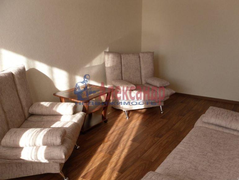 1-комнатная квартира (40м2) в аренду по адресу Богатырский пр., 12— фото 3 из 6