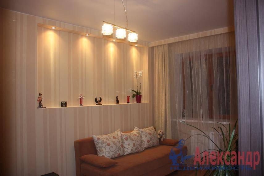 1-комнатная квартира (40м2) в аренду по адресу Ветеранов пр., 75— фото 2 из 7
