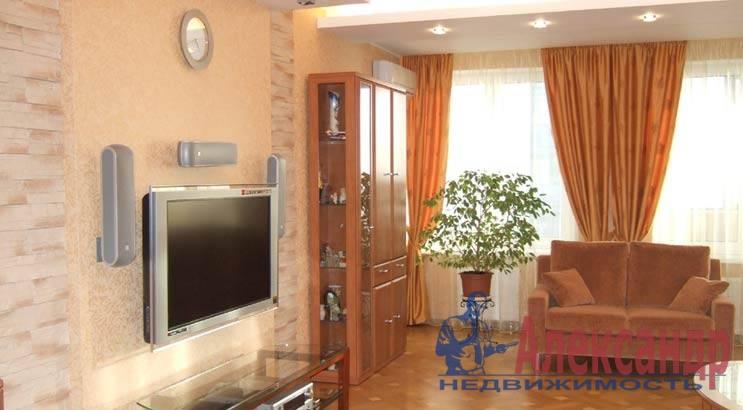 3-комнатная квартира (95м2) в аренду по адресу Каменноостровский пр., 11— фото 1 из 1