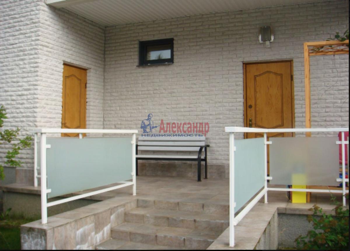Дом (54м2) в аренду — фото 1 из 7