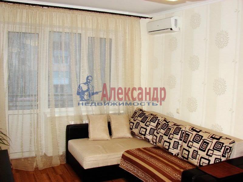 1-комнатная квартира (35м2) в аренду по адресу Серебристый бул., 17— фото 1 из 4