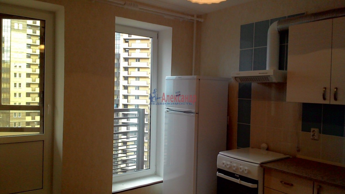 1-комнатная квартира (38м2) в аренду по адресу Парголово пос., Федора Абрамова ул., 19— фото 3 из 21